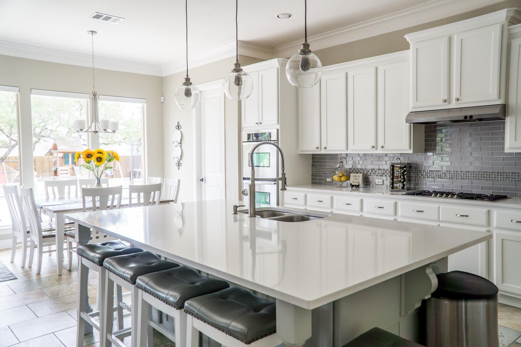 Comment Installer Un Comptoir De Cuisine comptoir de cuisine; comment choisir entre bois, inox